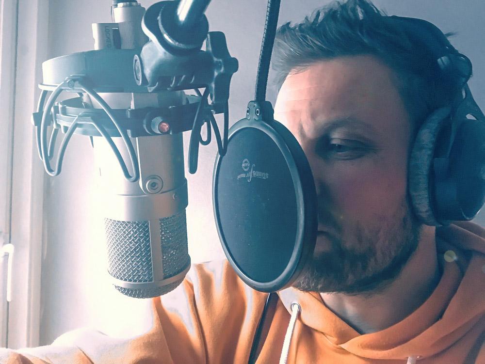 John i studio voice